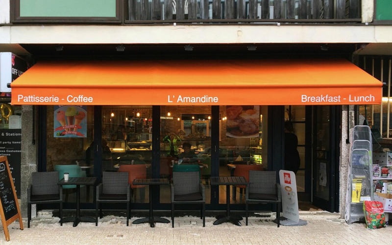 cafe awnings by Deans for L'Amandine