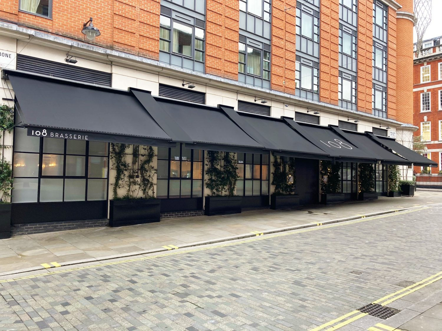 Traditional awning with junctions